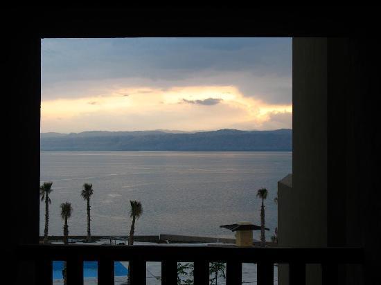 Holiday Inn Resort Dead Sea: Dead Sea view overlooking the still-under-construction pool
