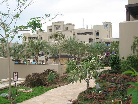 Holiday Inn Resort Dead Sea: View of the hotel from the pools area