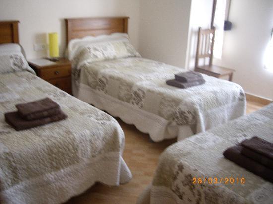 Hostal Abastos : 1 habitacion triple