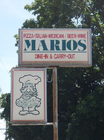 Mario's Pizza: road sign