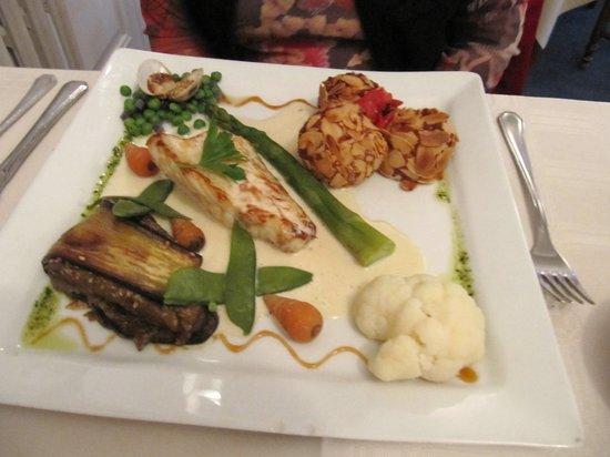 Les Ajoncs d'Or Hotel Restaurant : fish dinner