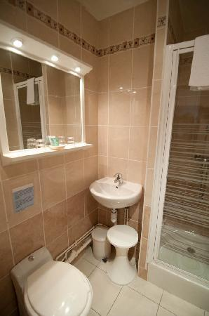 Hotel Alesia : Bathroom.