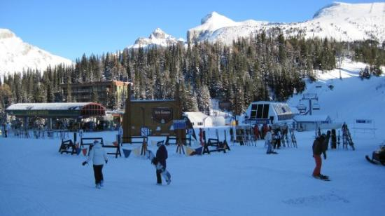 Sunshine Mountain Lodge: sunshine village