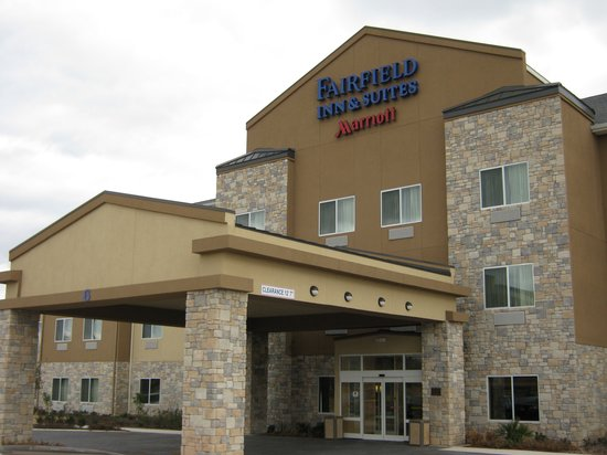Fairfield Inn & Suites San Antonio Boerne: Exterior of Hotel