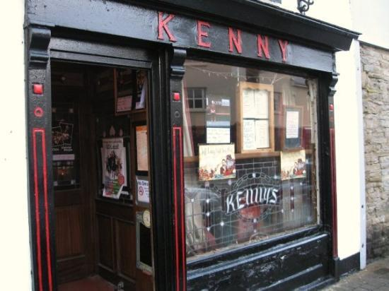 Lahinch, Irland: Kenny's in Lehinch
