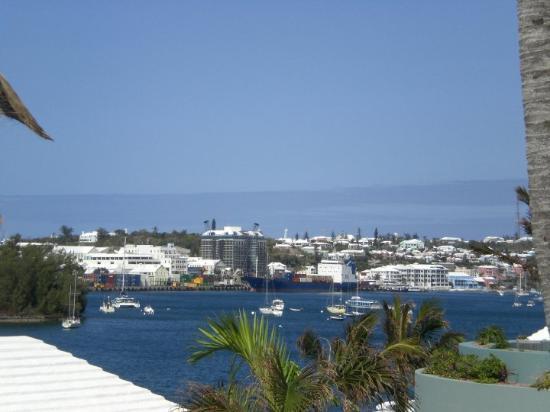 Hamilton, Bermuda: Hamilton Bay