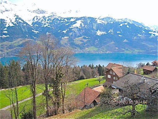 Beatenberg, Szwajcaria: The Alps, lake Thun and a pretty Village