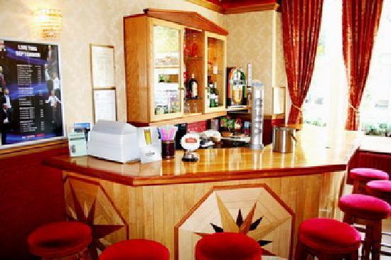 Ilfracombe House Hotel: Hotel Bar