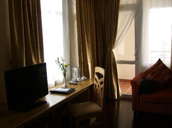 Romance Hotel: room