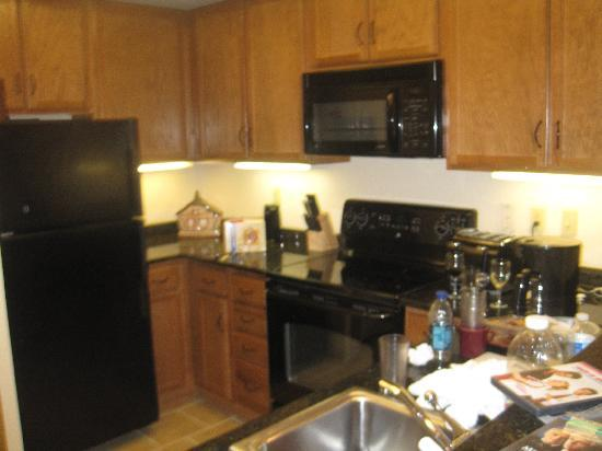 Holiday Inn Club Vacations Smoky Mountain Resort: the kitchen