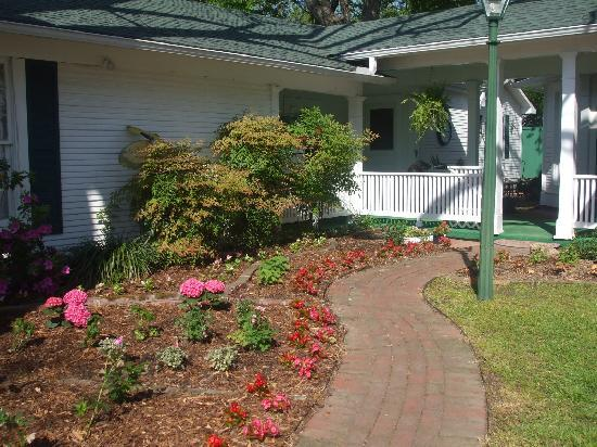 The Carriage House Bed and Breakfast: Garden entrance
