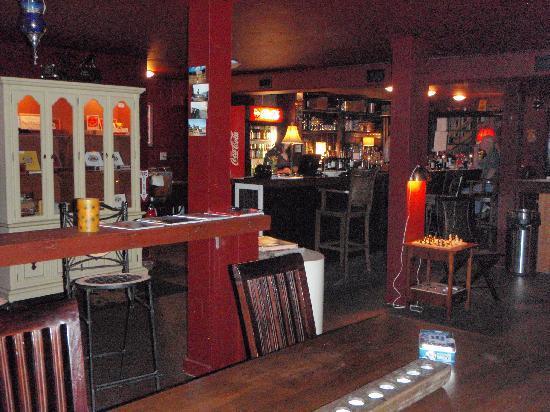 Cedar Inn: Black Dog's