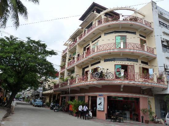 Le Cyclo, Phnom Penh