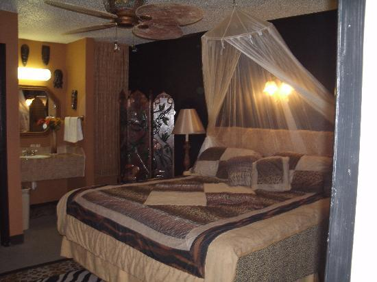 Port Aransas Inn: Safari room