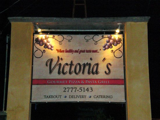 Victoria's Gourmet Italian Restaurant: Located 20 meters South of Kapi-Kapi