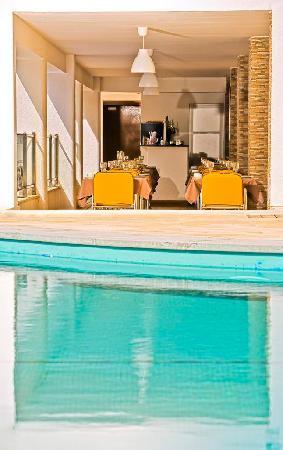Alcazar Hotel & SPA: H2O Bar