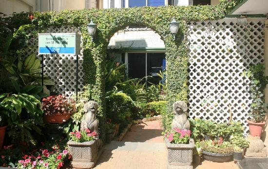 Terrace Gardens Guest House : Entrance to the guest house