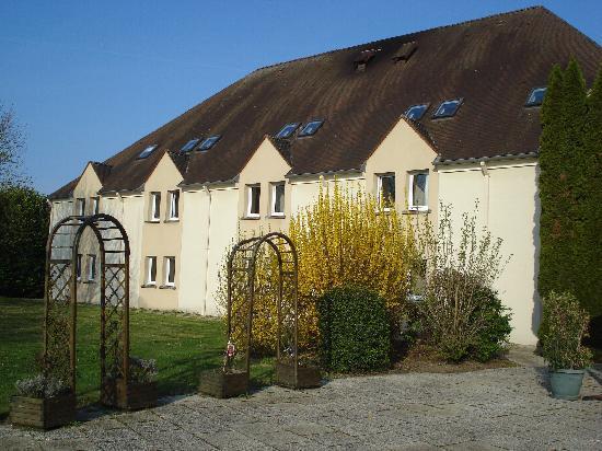 Hotel Ibis Essomes-sur-Marne : Hotel exterior