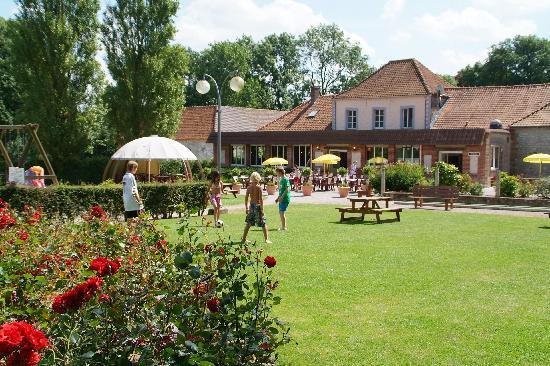 Chateau Camping de la Bien Assise : Shop/Bar/Take away