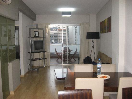 Ayres de Palermo: big room with balcony