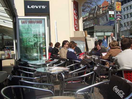 Cafe Boulevard: The outside seating