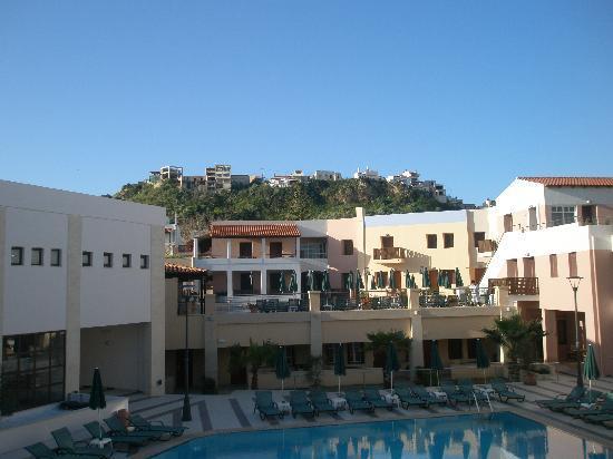 Porto Platanias Beach Resort & Spa: utsikt från balkongen rum 804