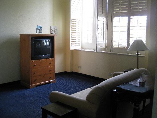 Crockett Hotel: Living Room