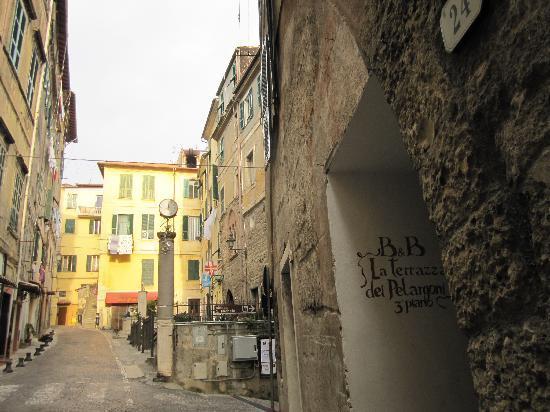 entrance - Picture of La Terrazza Dei Pelargoni B&B, Ventimiglia ...