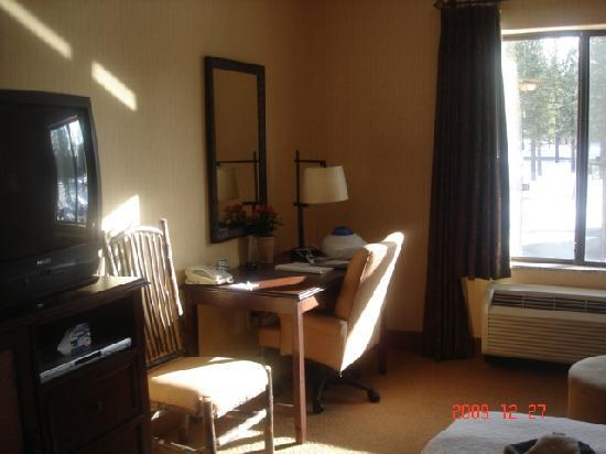 Hampton Inn & Suites Tahoe-Truckee: desk