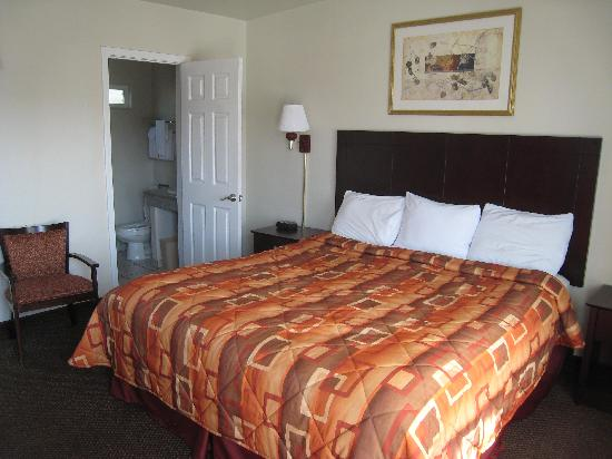 Super 8 Monterey: Really comfortable bed