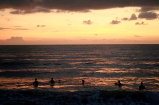 Kuantan, Malaysia: Chasing the first light - Sunrise Swim