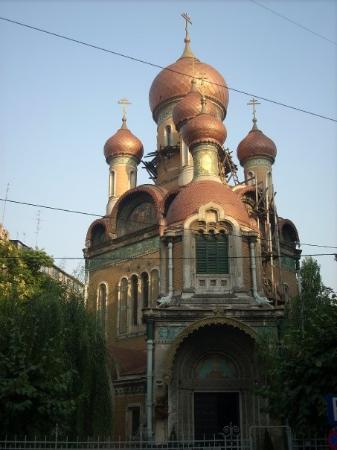 Bucharest, Romania: No dejamos de ver iglesias bizantinas. Preciosas todas ellas.