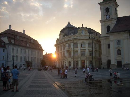 Grand-Place (Piata Mare) : La plaza al atardecer, igual de bonita que por la mañana