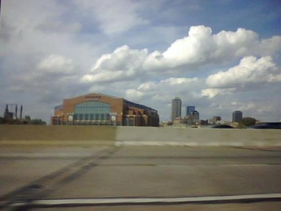 Lucas Oil Stadium Picture
