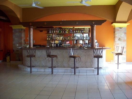 En Fuego Grill and Martini Bar: Bar- Juan & Only