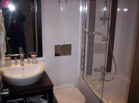 Grand Hotel Francais: bathroom