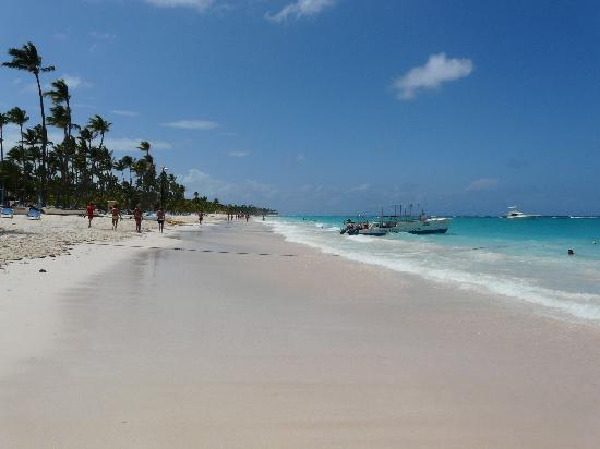 Luxury Bahia Principe Ambar Blue Don Pablo Collection : Beautiful Beach.