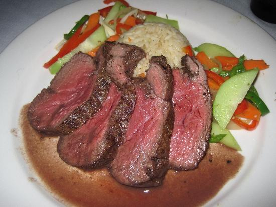 Las Flores Resort: our final dinner - chateaubriand!
