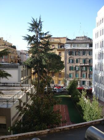 The Home in Rome Kosher Bed and Breakfast: Another view from the room