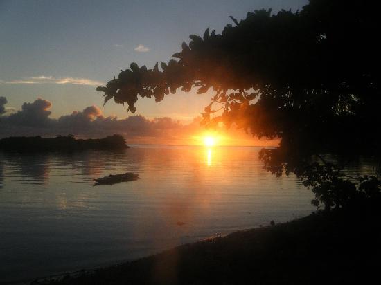 Taumesina Hideaway: sunrise