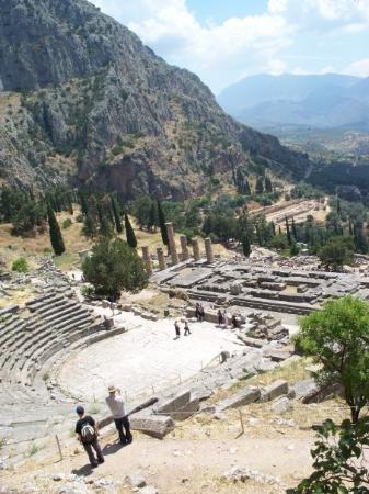 Delfiruinene: Ruins at Delphi.