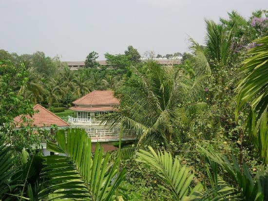 Sofitel Angkor Phokeethra Golf and Spa Resort: set in wonderful grounds