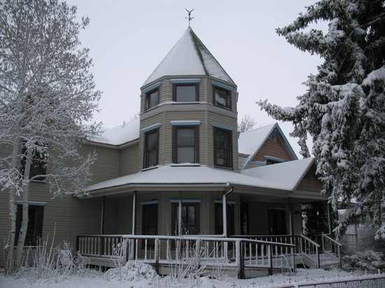 Berthoud Inn & Events : The Berthoud Inn on the one and only snowy day this particular week in April 2010!