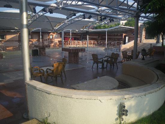 Maritim Pine Beach Resort: Night Club