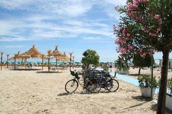Hotel Poseidon: la spiaggia