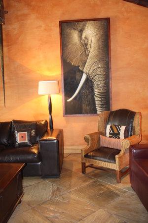 Hans Merensky Hotel & Estate: salottino vicino il bar
