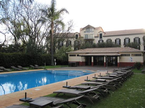 Quinta da Bela Vista : pool, view to the quinta