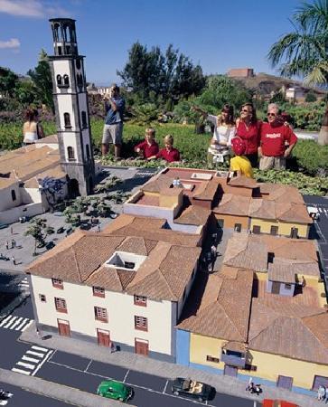 PuebloChico: zona de Santa Cruz de Tenerife todas las maquetas a escala 1:25!