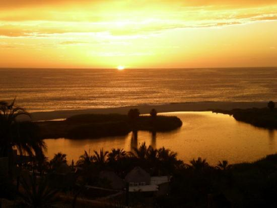 Los Colibris Casitas: Sunset on our first night