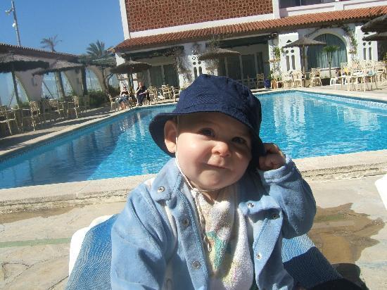 Gran Hotel Europe Comarruga: moment au bord de la piscine